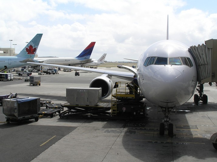 Airlines_Serving_HNL