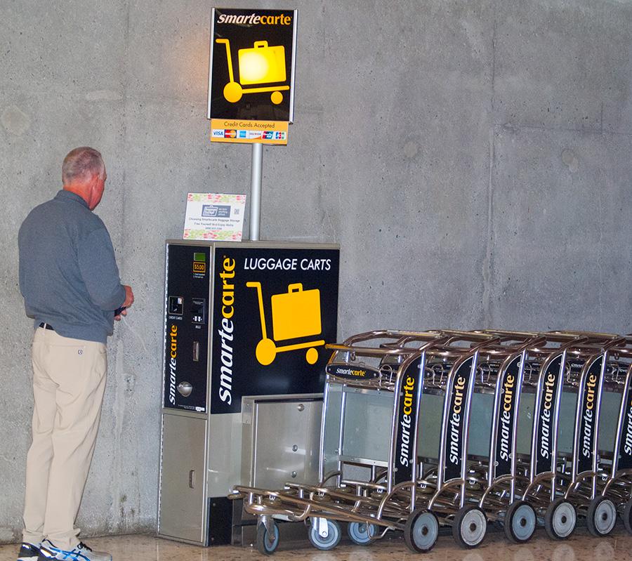 ホノルル空港のカート料金支払い機