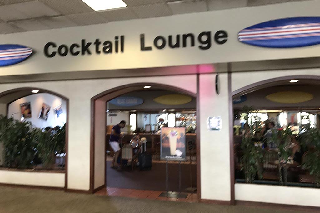 Cocktail Lounge Near Gates 49-53  Full service bar  Open daily: 11:00 a.m. – 6:30 p.m.