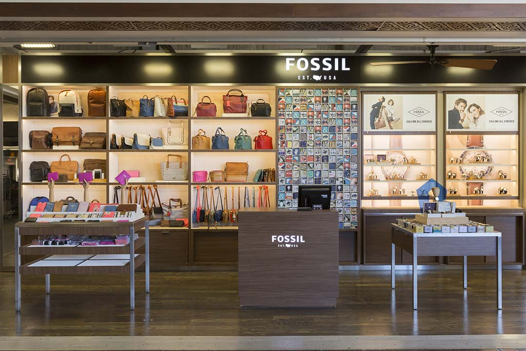 Fossil An American watch and lifestyle company creatively rooted in authentic, vintage and classic design.  Open daily 8:00 a.m. – 6:00 p.m.