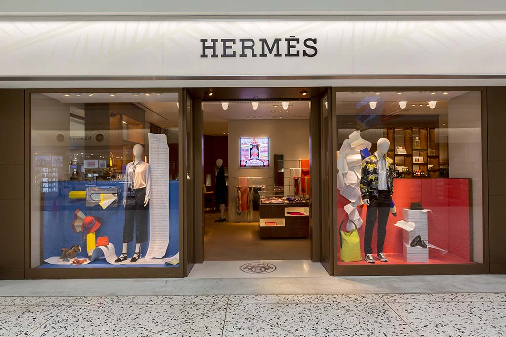 Hermes French high fashion luxury goods manufacturer specializing in leather, lifestyle accessories, home furnishings, perfumery,  jewelry, watches and ready-to-wear.  Open daily 7:00 a.m. – 4:45 p.m.