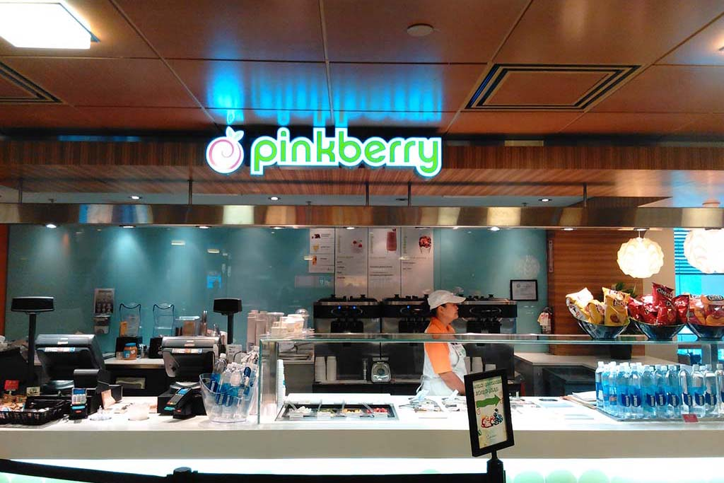 Pinkberry (Food Court) offers flavored non-fat frozen yogurt, toppings, smoothies and fruit parfaits. Open daily from 8 a.m.-10 p.m.