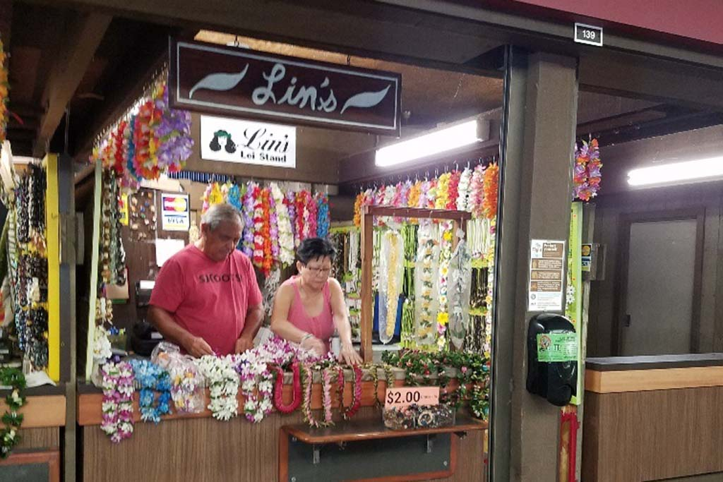 Manufacturing of leis and jewelry.  Open daily 7:30 a.m. – 5:30 p.m. (Closed Sunday)